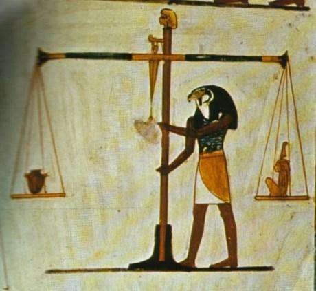 No Antigo Egito, a pesagemd da alma servia como forma de averiguar inocência ou inculpação do morto.